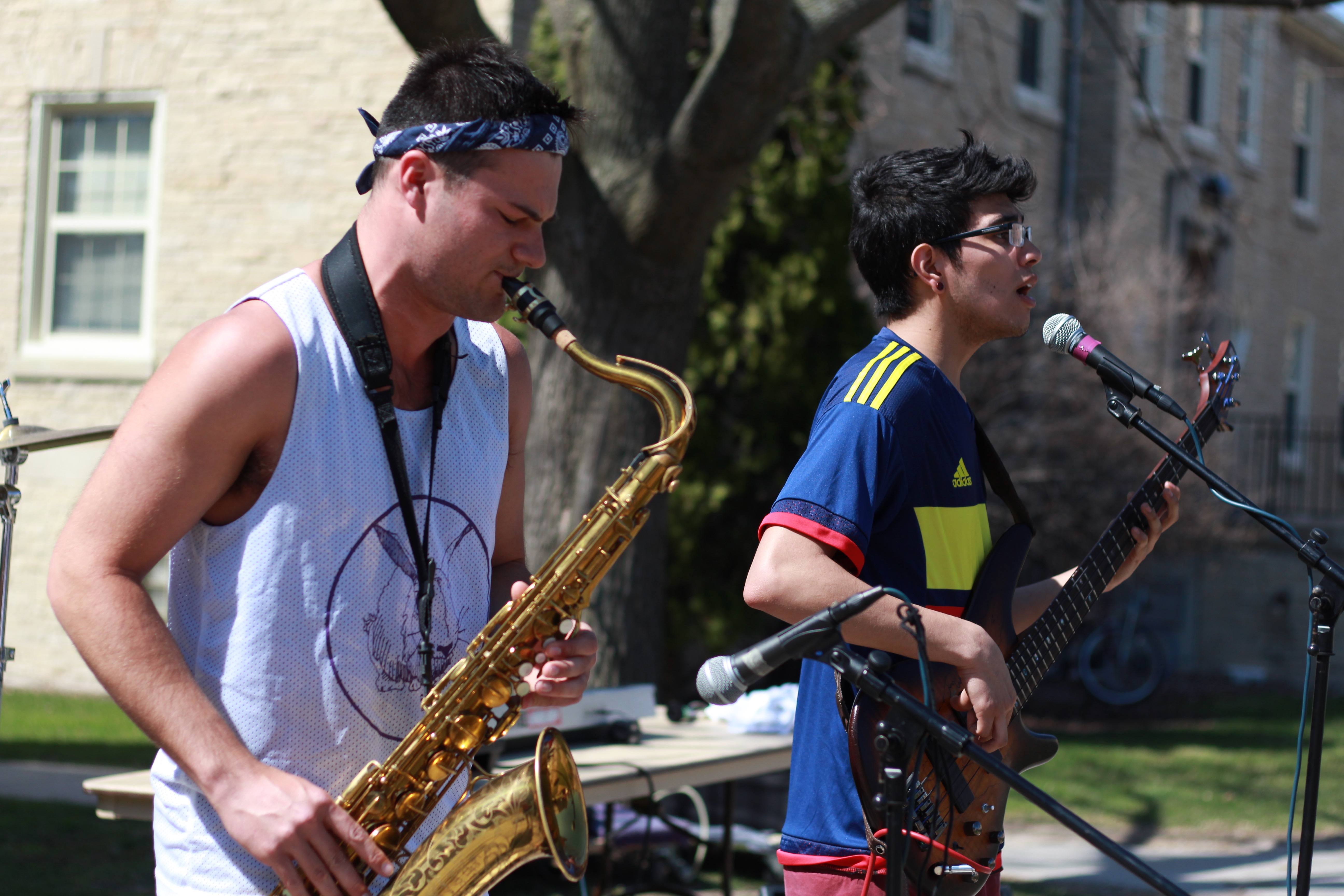 Sophomores Mason Krelitz and Christian Rasmussen play for the fundraiser in their band Rat Park.